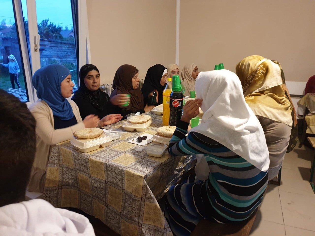 Iftar u džematu Adice