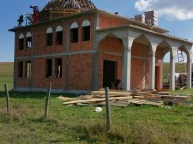 Muftija Dudić obišao radove na džamiji u selu Tuzinje