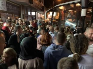Hadžije stigli u Novi Pazar – dočekao ih predsjednik Mešihata